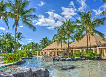 What Are the Advantages of a Saltwater Pool Vs a Chlorinated Pool in Boca Raton?